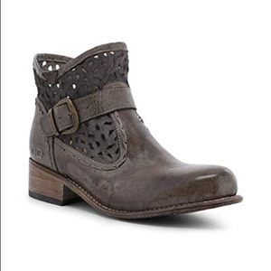 New leather ankle boots heather taupe md short 8